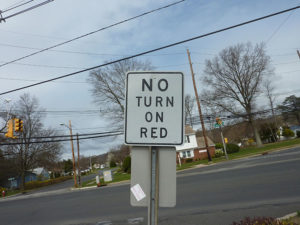 no-turn-on-red